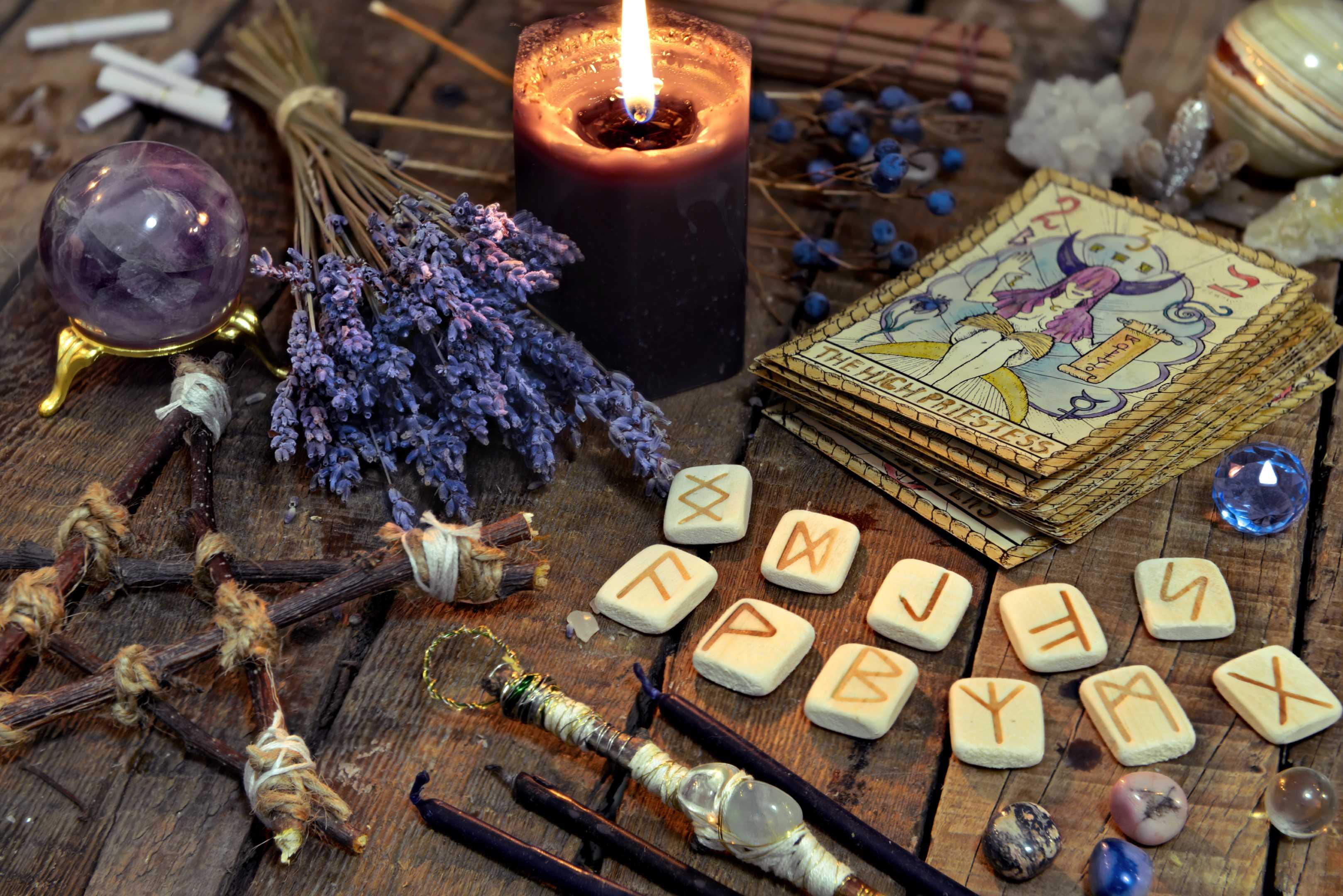 Приворот на картах таро: 9 ритуалов любовной магии