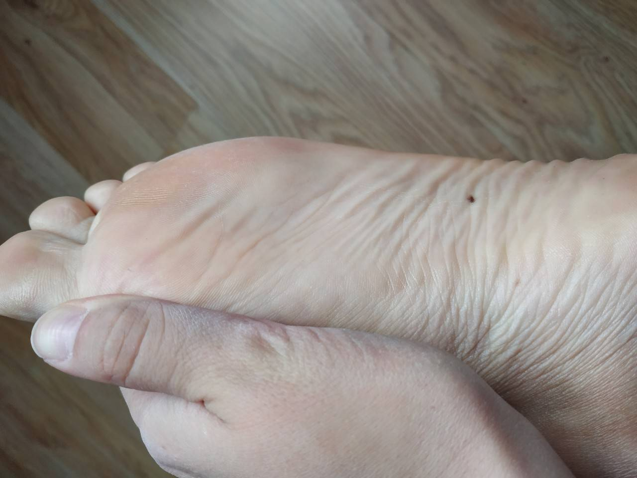 Значение родинок на ноге. узнать характер и судьбу по расположению родинок