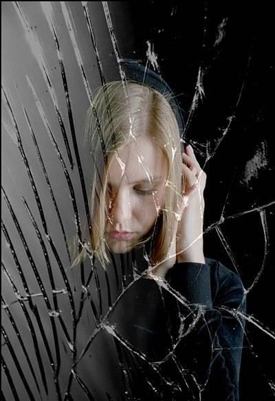 К чему разбивается зеркало и что с этим делать