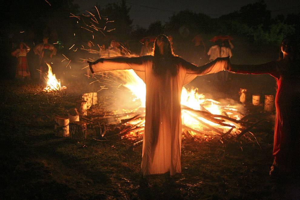 Мы расскажем о странных праздниках древности, которые празднуют до сих пор
