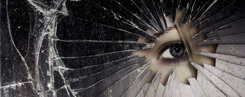 Разбить зеркало: примета