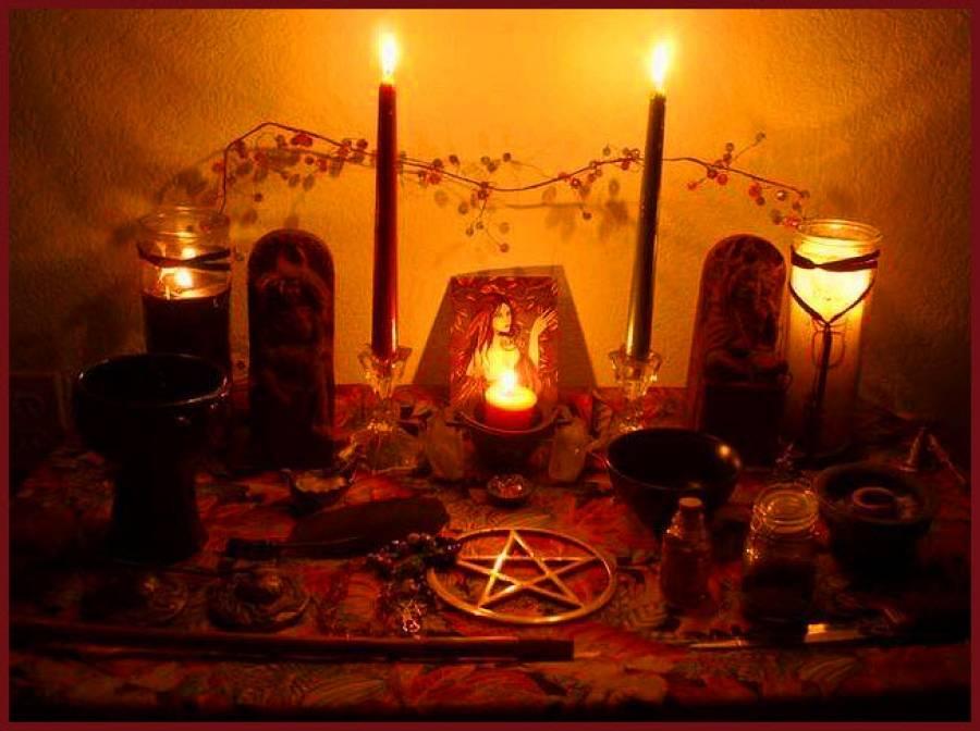 Сильный приворот на любовь: рейтинг лучших ритуалов и способ их проведения