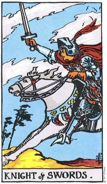Рыцарь мечей таро: значение в отношениях, перевернутый, сочетание с другими