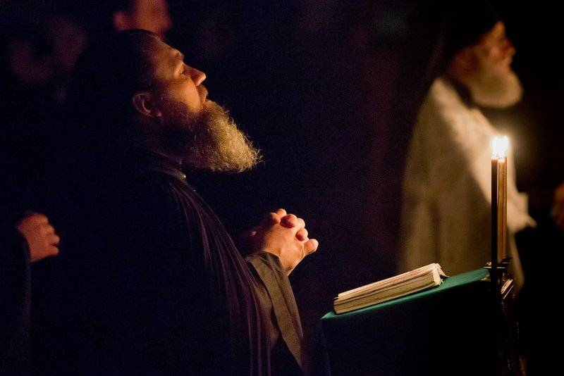 Отчитка от порчи и проклятий в церкви - очищение молитвами от негатива жилище