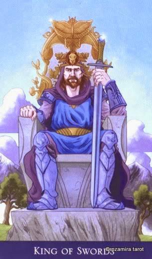 Король мечей таро: значение в отношениях, любви, здоровье, работе