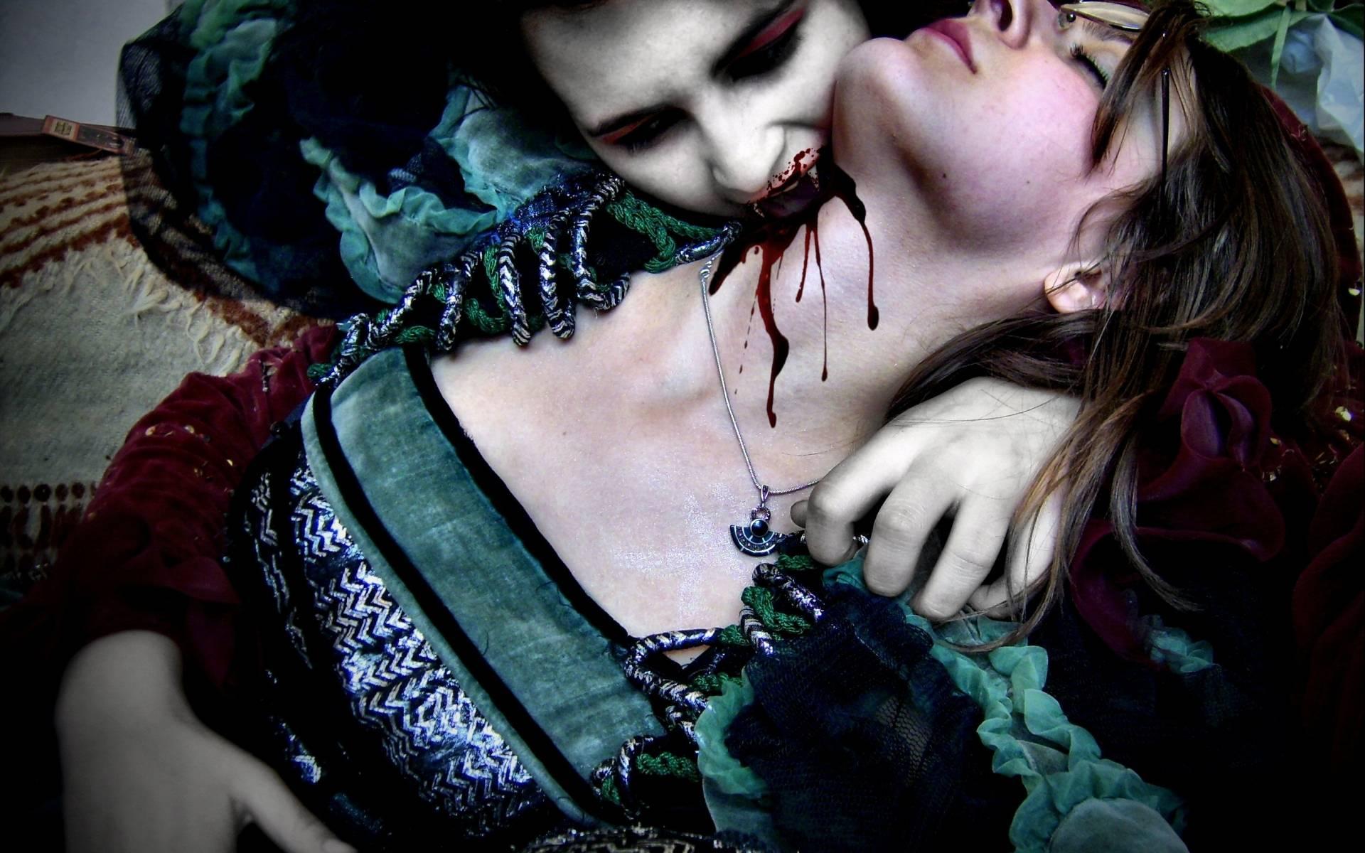 Кириллица    чем упырь отличается от вампира