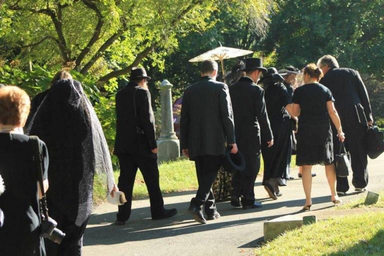 Сонник идти на похороны. к чему снится идти на похороны видеть во сне - сонник дома солнца