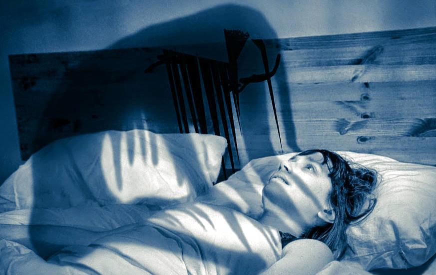 Почему приходит домовой ночью и пристает. к чему снится домовой