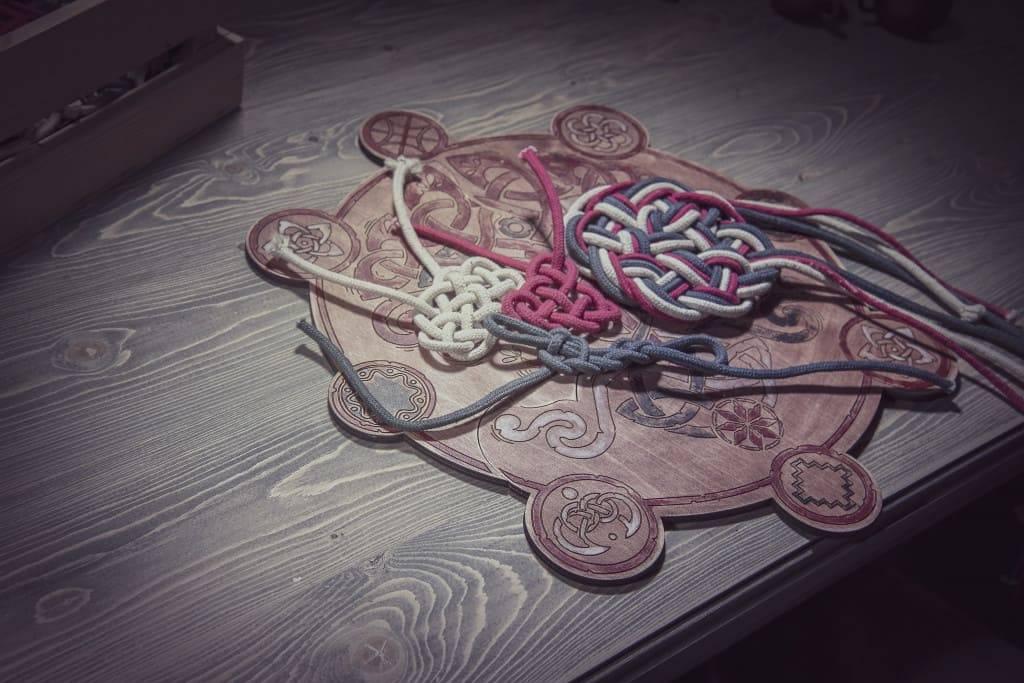 Узелковая магия: как сделать наузы своими руками, схемы для похудения