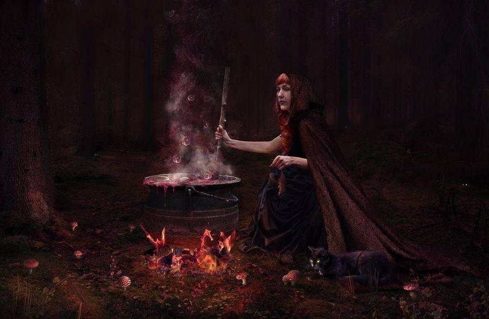Как стать ведьмой: белой, черной, в реальной жизни, призвание магических сил.