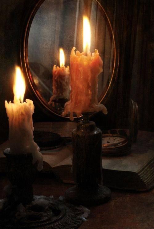 Гадание на зеркале и свечах на суженого