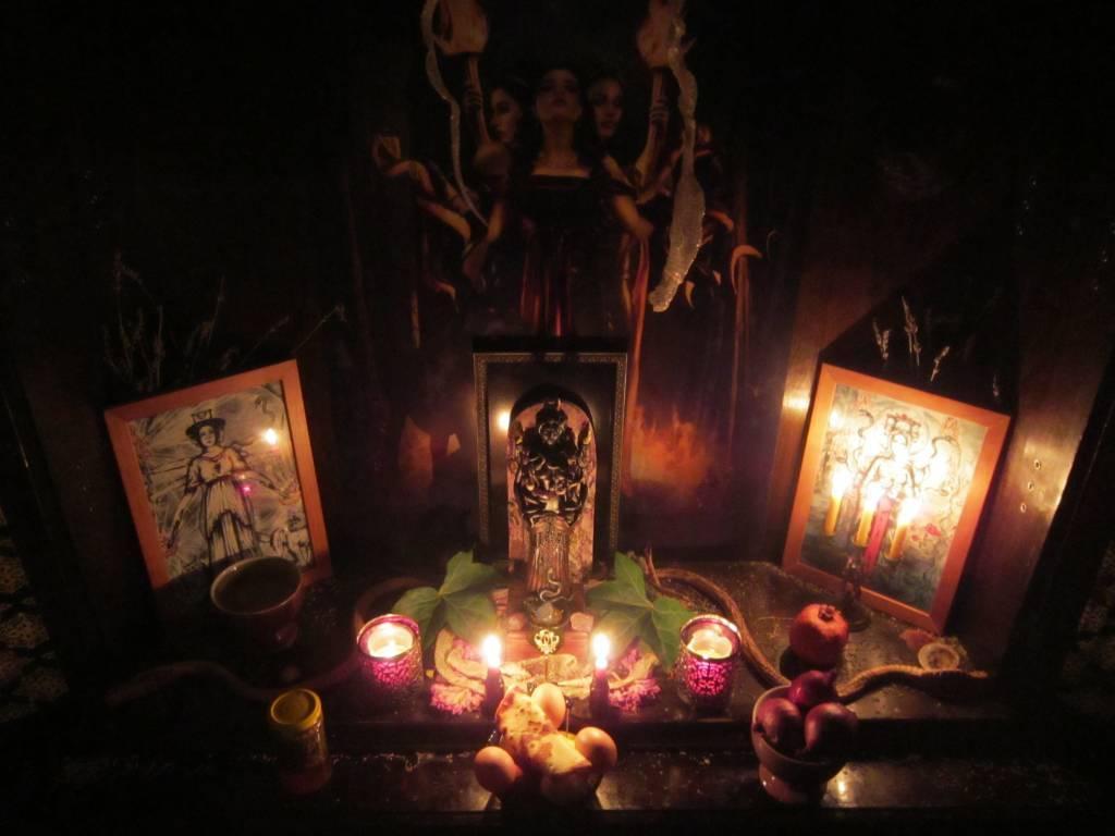 Порча на смерть с помощью земли. снятие порчи на кладбище — тайная магия усопших