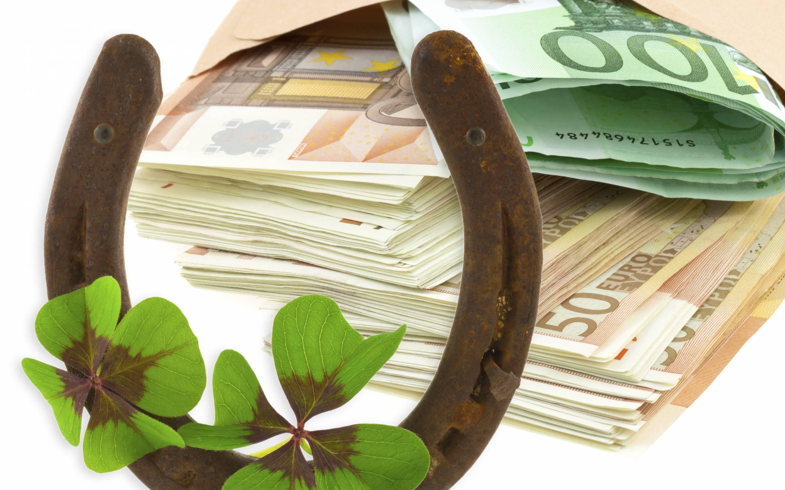 Как притянуть к себе удачу и деньги: народные приметы на богатство
