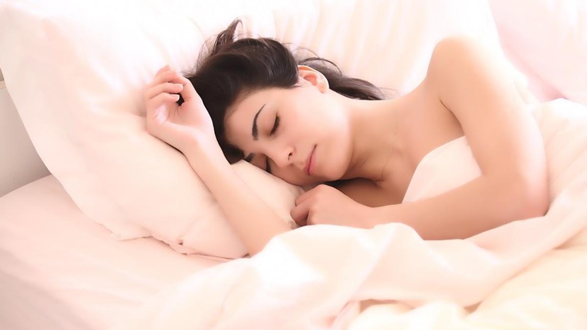Снится беременная девушка: толкование сновидения по разным сонникам