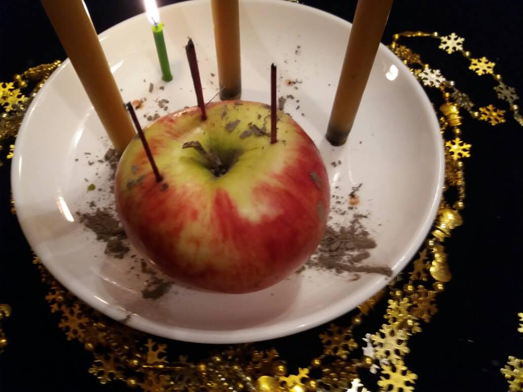 Приворот на яблоко на любовь мужчины в домашних условиях