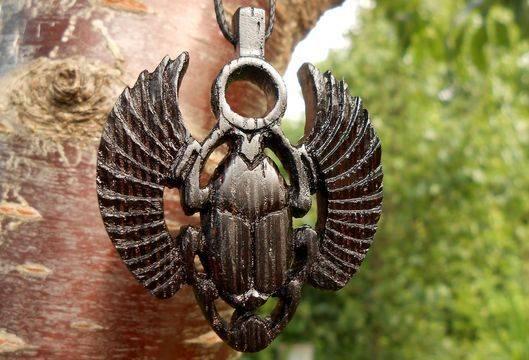 Талисман жук скарабей (амулет, значение)