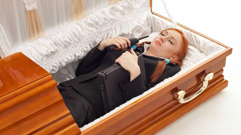 Что делать, если покойник чудится. заговоры сибирской целительницы. выпуск 02