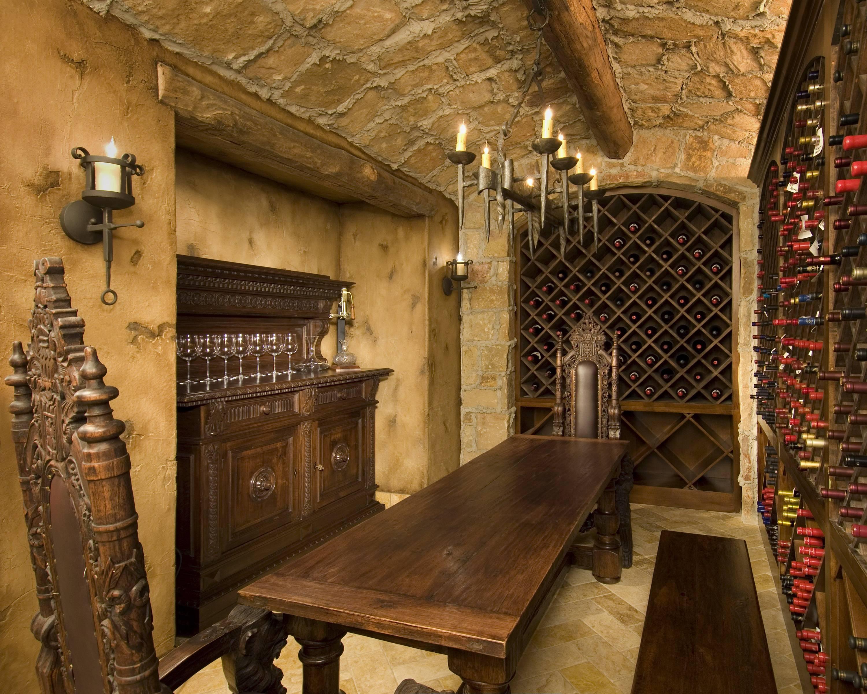 Клураканы — обитатели винных подвалов из ирландского фольклора