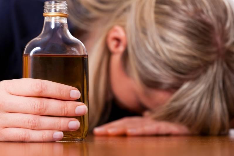 Порча на алкоголизм и пьянство. признаки и как снять