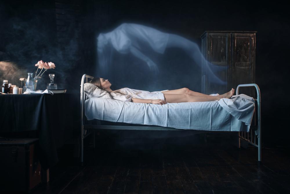 Видят ли нас умершие после смерти — основные теории о жизни после смерти