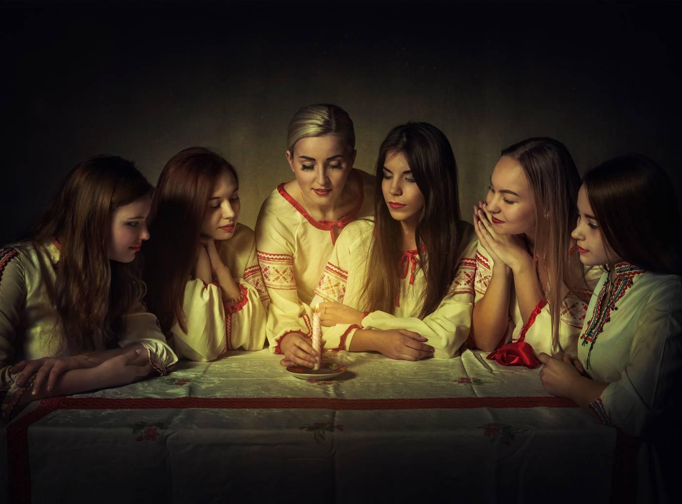 Святочные гадания: на суженого, на будущее, на желание, в кругу друзей