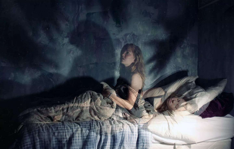 Почему во сне кто то душит. домовой душит во сне — почему так происходит