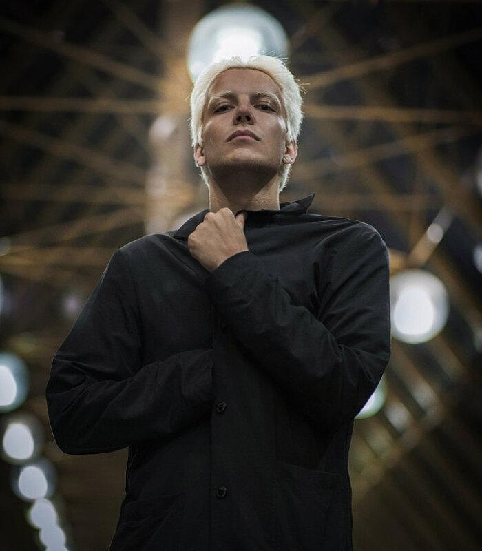 Антон момот - фото, биография, личная жизнь, новости, фильмы 2020 - 24сми