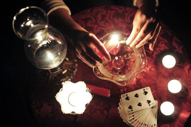 Гадание на воске от свечи