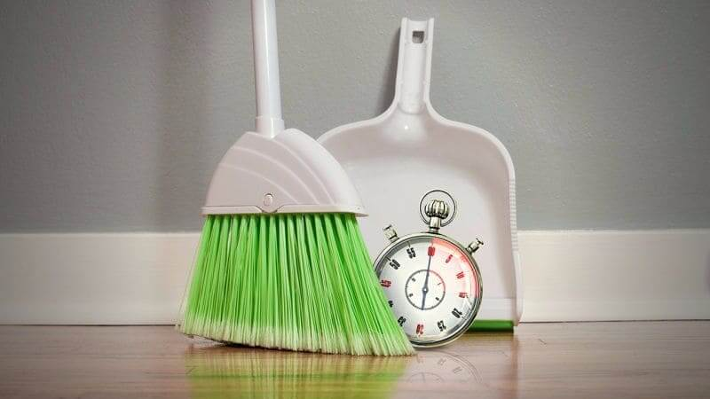 Приметы, запрещающие убираться в доме