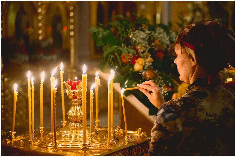 Годовщина со дня смерти: когда и как поминать, что заказывают в церкви