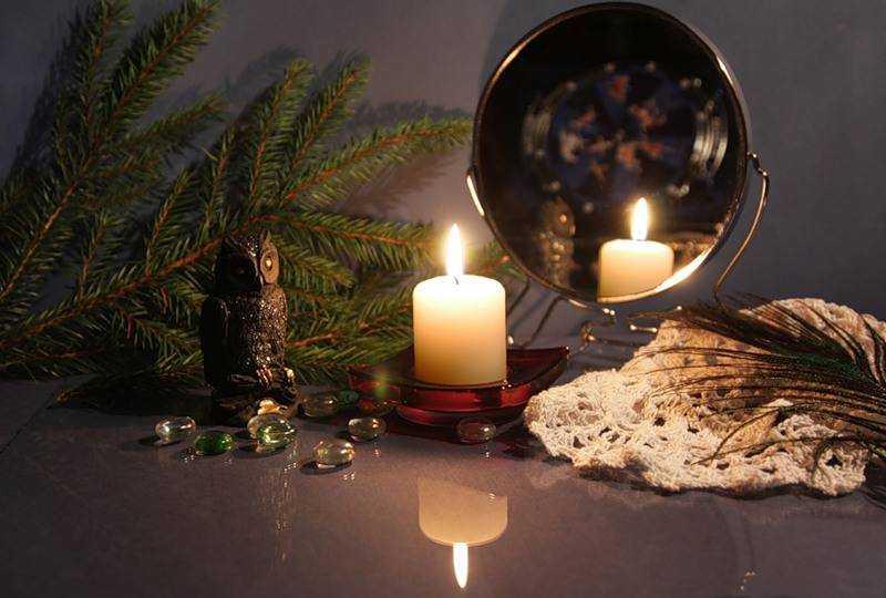Гадание со свечой и зеркалом. другие легкие способы