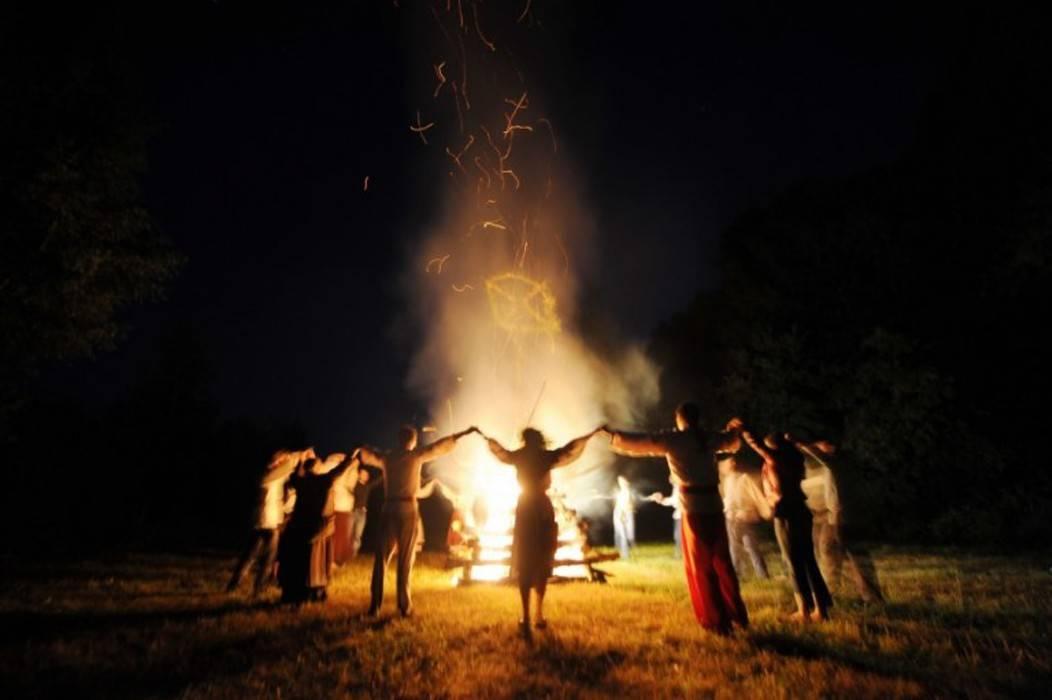 Ритуалы на рождество: обряды на деньги, любовь, исполнение желаний