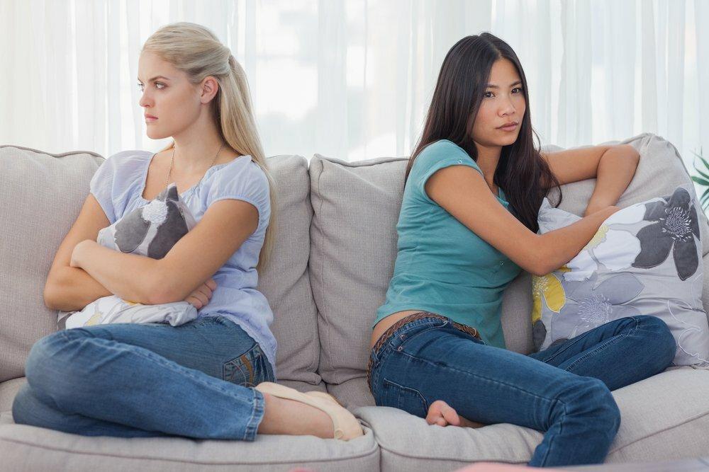 Заговор на рассорку друзей, родни, мужа и жены, соперницы или любовницы