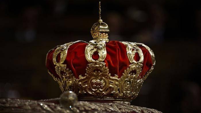 Гадания на короне любви: правила проведения гадания