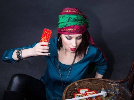 Молитва от порчи цыганки. цыганская порча — как защититься от злой магии