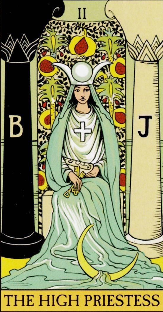 Верховная жрица (папесса) таро: значение в отношениях, в любви, работе