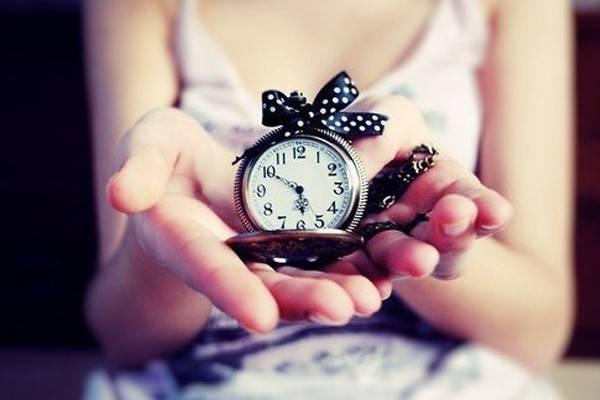 Почему нельзя дарить часы? приметы и как их обходить