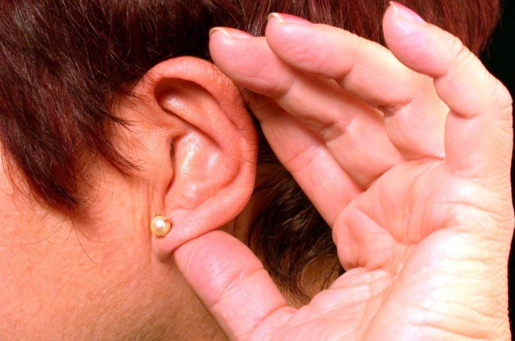 Основные причины горения левого уха - доступное объяснение с подробными отступлениями + важные рекомендации для устранения этого симптома