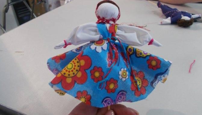 Кукла мартиничка: весенний оберег своими руками | мастер-класс