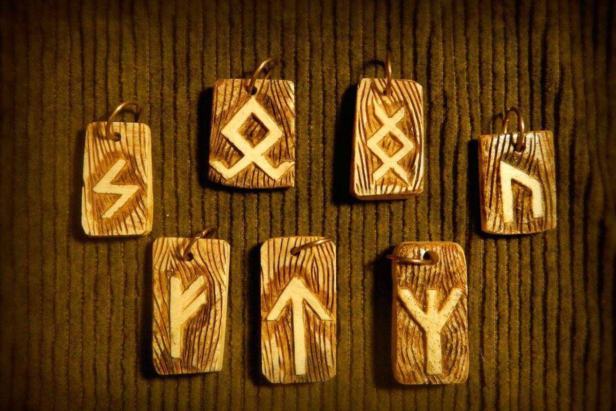 Перунов знак: символы бога-громовержца у славян - секира, колесо и другие, их значение, выбор для оберега или тату, фото