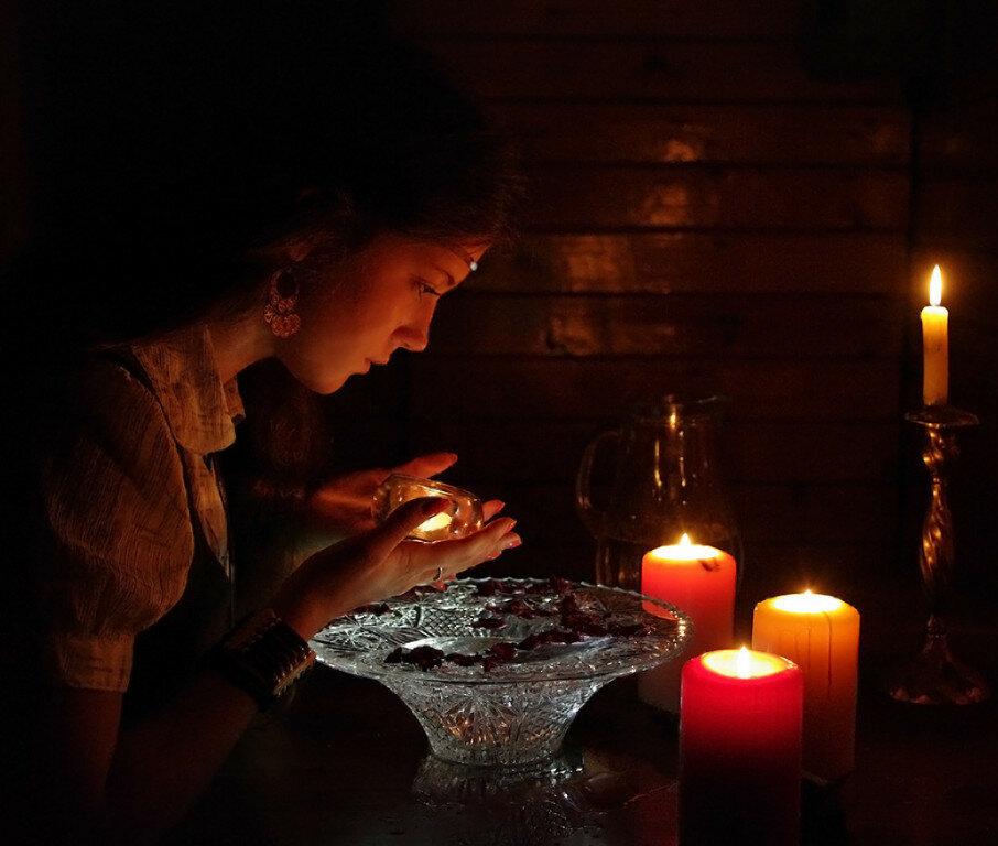 3 способа гадания на сожженной бумаге в новый год и рождество в 2020 году
