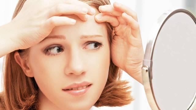 Прыщ на лбу: трактовка приметы для женщин и мужчин, значение снов
