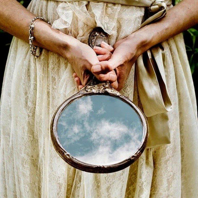 Зеркальная магия: защита, привлечение денег