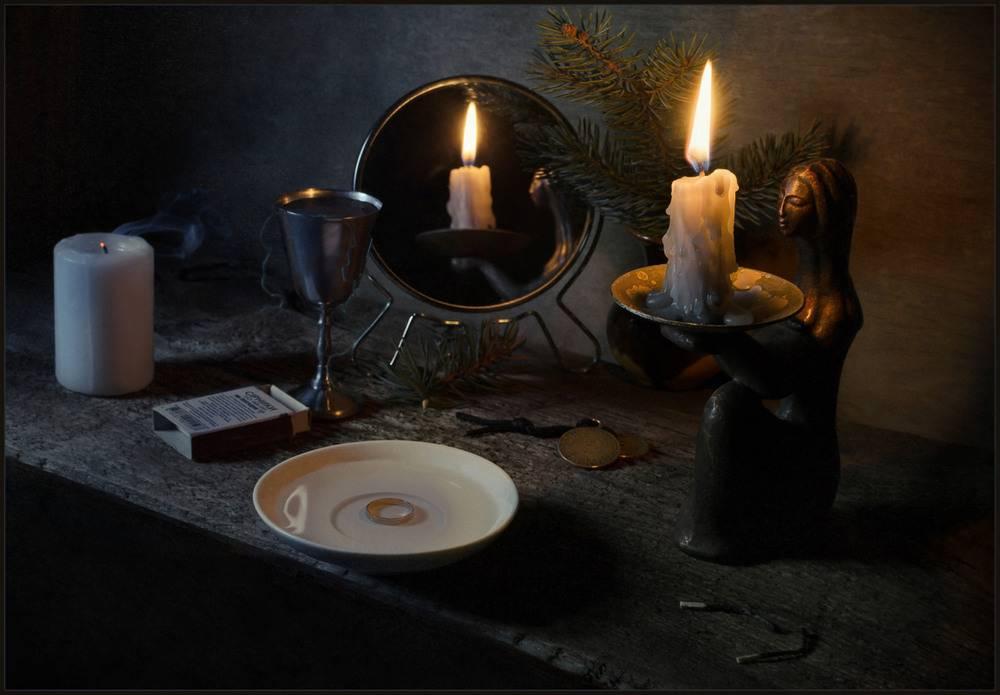 Способы гадания на свечах на рождество и святки - частные заметки