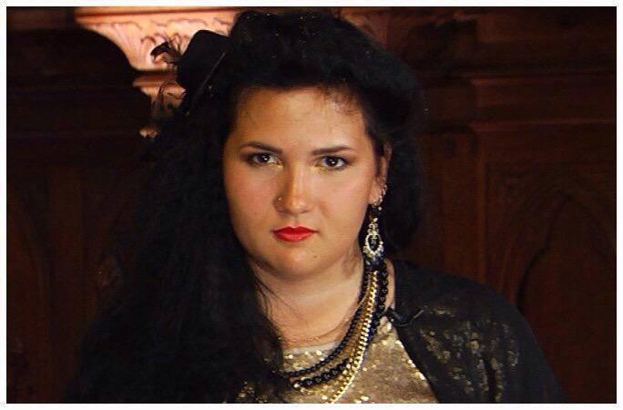 Иоланта воронова: биография участницы «черно-белое» на первом канале. иоланта воронова и ее дочь росса — потомственные маги