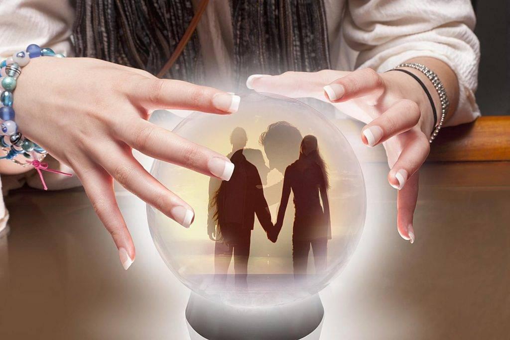 Гадание на любовь мужчины: пасьянс для девочек корона и статуэтка любви