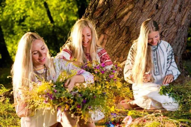 День святой троицы: приметы, традиции и обычаи  - новости челябинской области - u24.ru