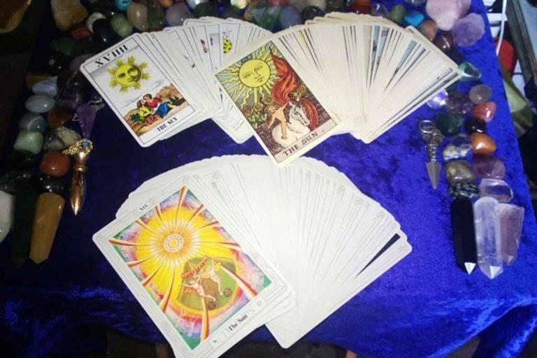 Гадание на таро на ситуацию в 3, 1 и 9 карт: схемы и объяснение