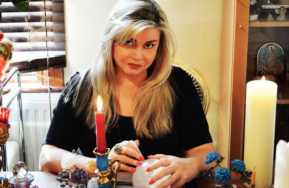 Парапсихолог из лондона ольга домбровская на битве экстрасенсов