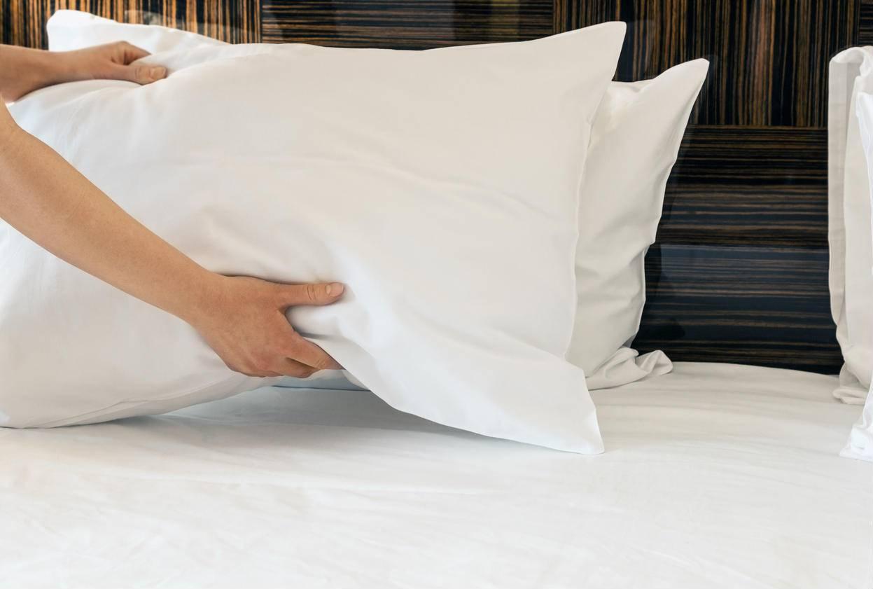 Странные предметы в подушке: что делать, как обезопасить себя